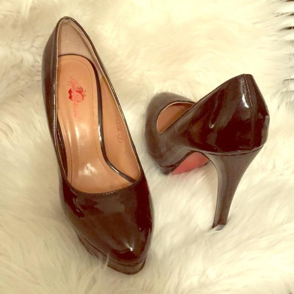 5cd641b8ea0 Apple Bottoms Shoes - Apple Bottom black Red bottom Heels size(7M)